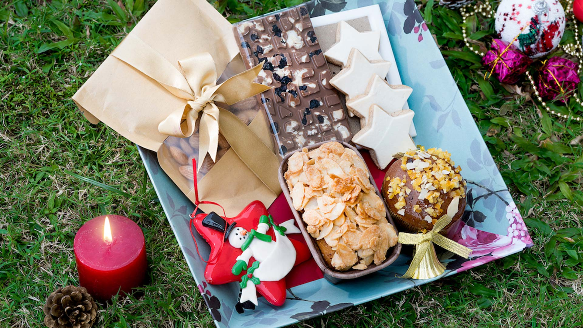 Chocoloate and Snack Gift Baskets with Thailand wide delivery